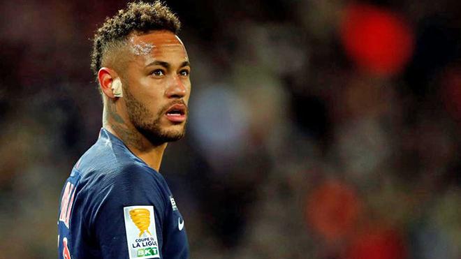 Neymar bị cấm thi đấu 3 trận vì đấm cổ động viên