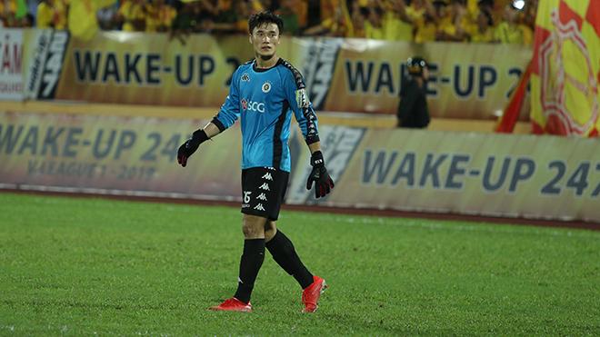 Nam Định 2-0 Hà Nội FC: 'Cơn ác mộng' của Bùi Tiến Dũng trên sân Thiên Trường