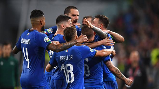 VIDEO Italy 2-1 Bosnia & Herzegovina: 'Siêu phẩm' sút xa của Insigne gây sốt