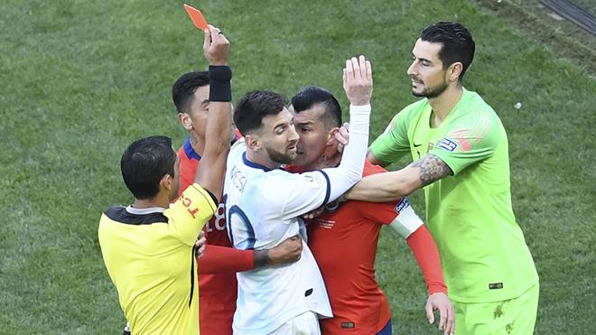 Bóng đá hôm nay, lịch thi đấu bóng đá hôm nay, Argentina 2-1 Chile, Argentina giành giải ba, Copa America 2019, Nadal, Federer, Mohamed Salah, Messi thẻ đỏ, Wimbledon