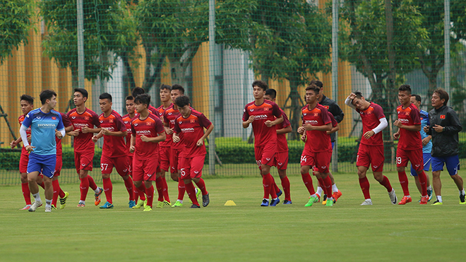 Tiến Linh nghỉ tập sớm, U23 Việt Nam lần đầu mặc áo gắn chip GPS