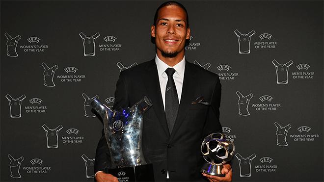 Van Dijk nói gì khi giành 'Cầu thủ xuất sắc nhất mùa giải 2018/19' của UEFA?