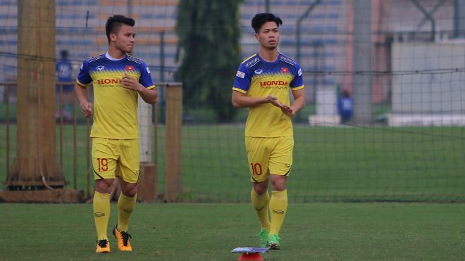 Văn Hậu và Công Phượng hội quân, HLV Park Hang Seo nhắc 3 thủ môn
