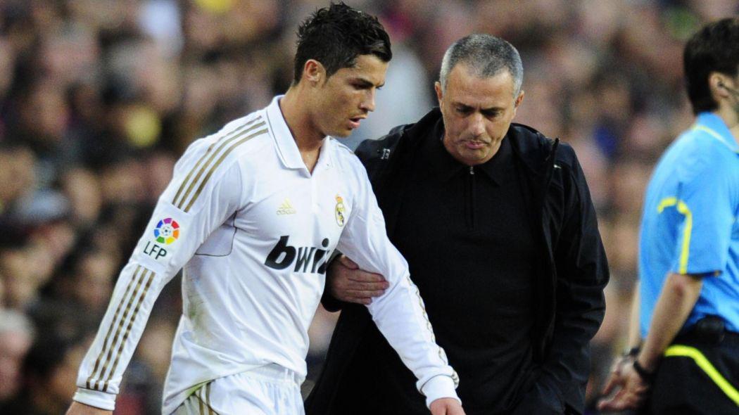 Báo Anh: Ronaldo đang 'làm trò' với Real, Mourinho chắc chắn không mua