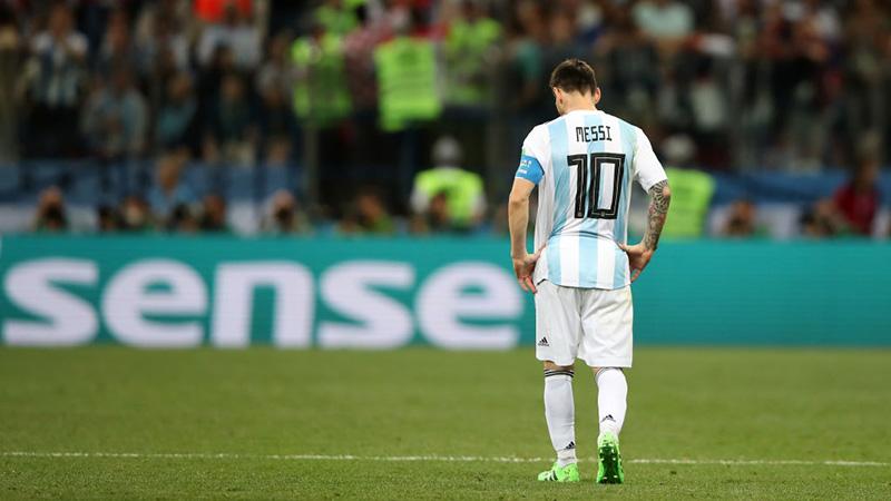 Cộng đồng mạng mắng FIFA khi Messi không có tên trong danh sách rút gọn