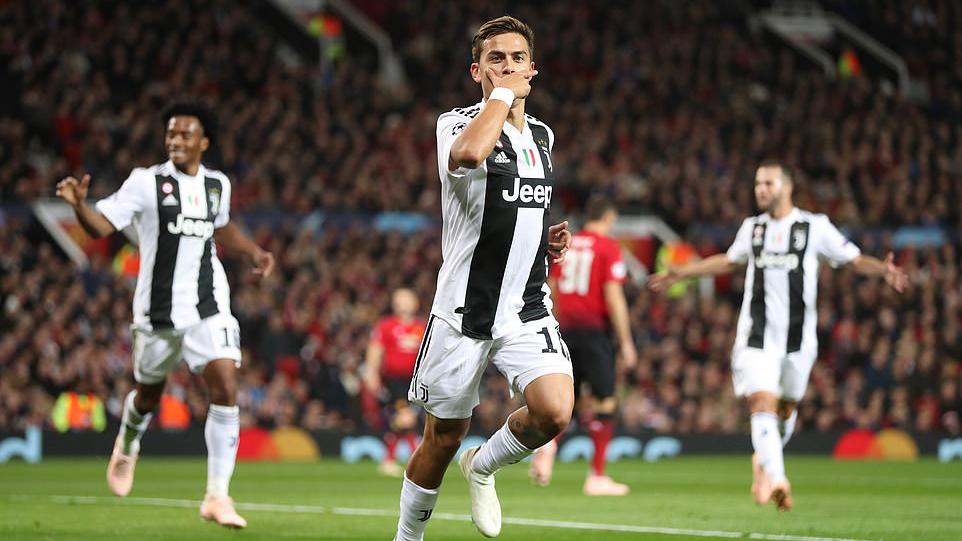 Mourinho: Chiellini và Bonucci có thể đến Harvard dạy đá hậu vệ