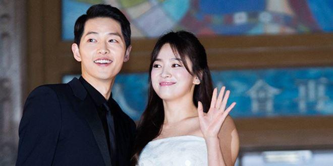 12 cặp đôi 'phim giả tình thật' đáng ngưỡng mộ của làng giải trí Hàn Quốc